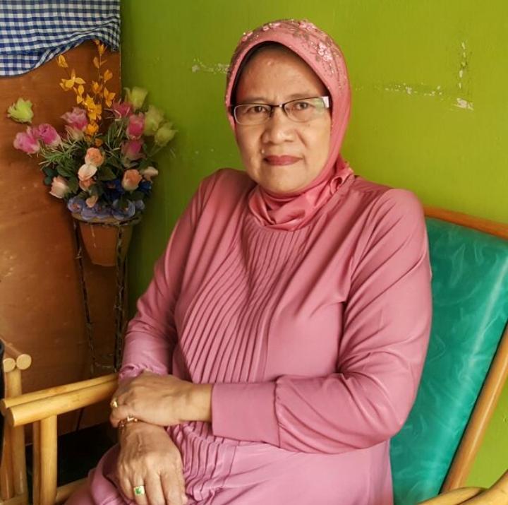 Prof. Dr. Hj. Dahlia Syuaib, SH, MA